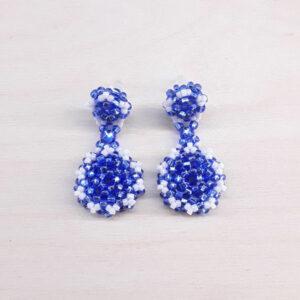 Niebiesko białe kolczyki z koralików Pottery