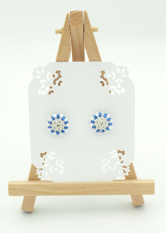 Kolczyki Prymulka Biało Niebieska na ekspozytorze